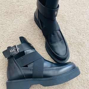 New-Zara Leather AnkleBoots with opening